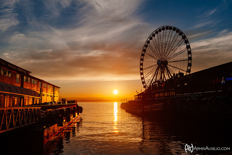 SunsetGreatSeattleWheel.jpg
