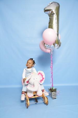 Na'Omii 1st Birthday Shoot