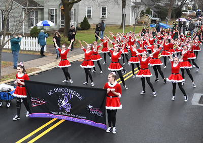 PHOTOS: Yardley welcomes the season with soggy, but spirited Olde-Fashioned Christmas Parade