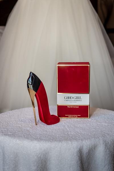 01 Bridal Prep-41.jpg