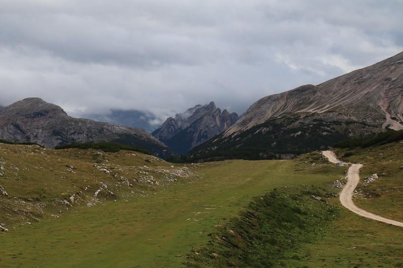 Lago di Braies to Rifugio Sennes