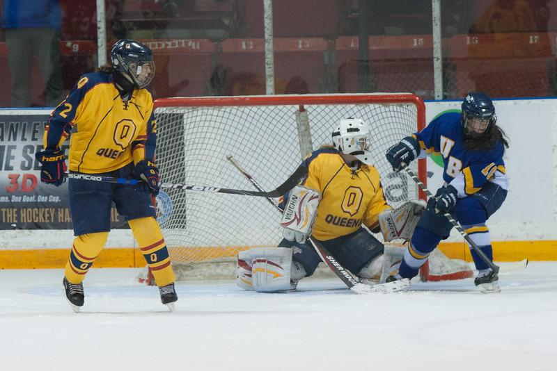 20130310 QWHockeyvsUBC 498.jpg