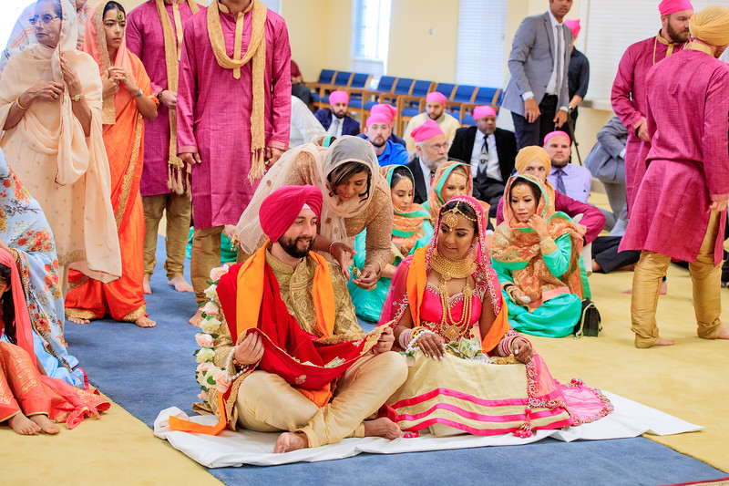 Neelam_and_Matt_Gurdwara_Wedding-1510.jpg