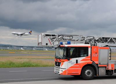 Airport Fire Service / Flughafenfeuerwehr