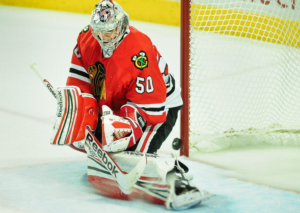 . Chicago Blackhawks goalie Corey Crawford makes a save during the second period. (Pioneer Press: Ben Garvin)