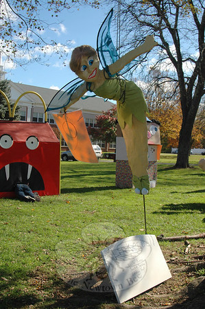 NMS 2011 Sculpted Scarecrow Contest entries