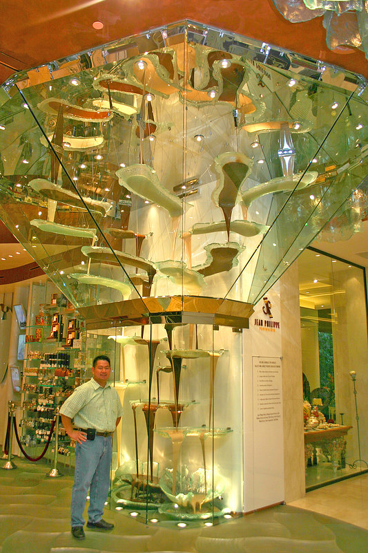 A crazy fountain of liquid chocolate at the Jean-Philippe Patisserie (in the Bellagio).