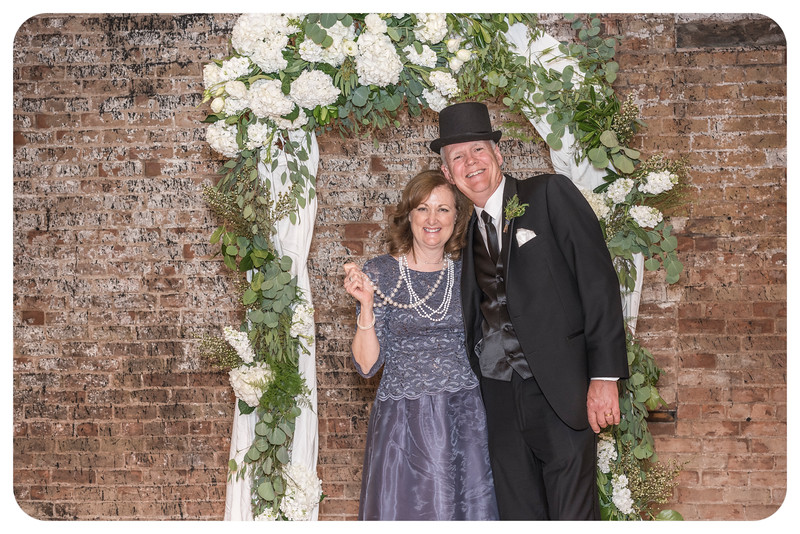 Laren&Bob-Wedding-Photobooth-9.jpg