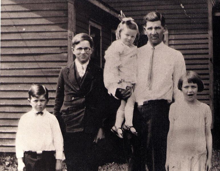 Glenn Phillips and his children