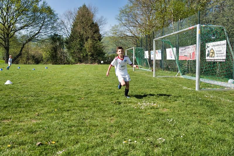 hsv-fussballschule---wochendendcamp-hannm-am-22-und-23042019-w-36_46814456045_o.jpg