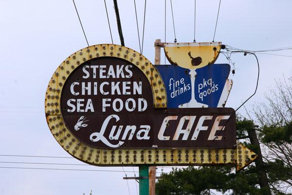 Luna-Cafe-2.jpg