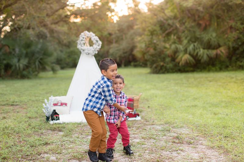Ariza Family 2020-26.jpg