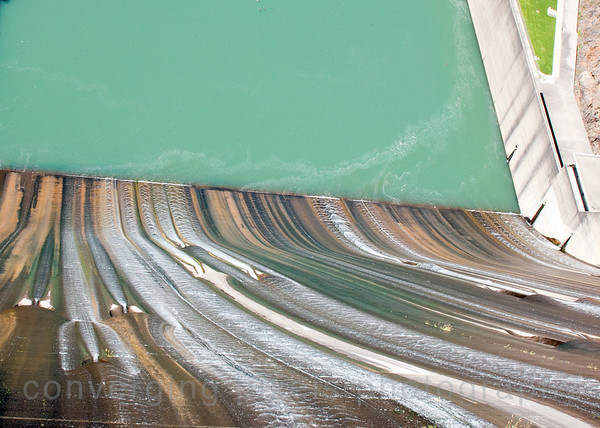 The Shasta Dam   7500
