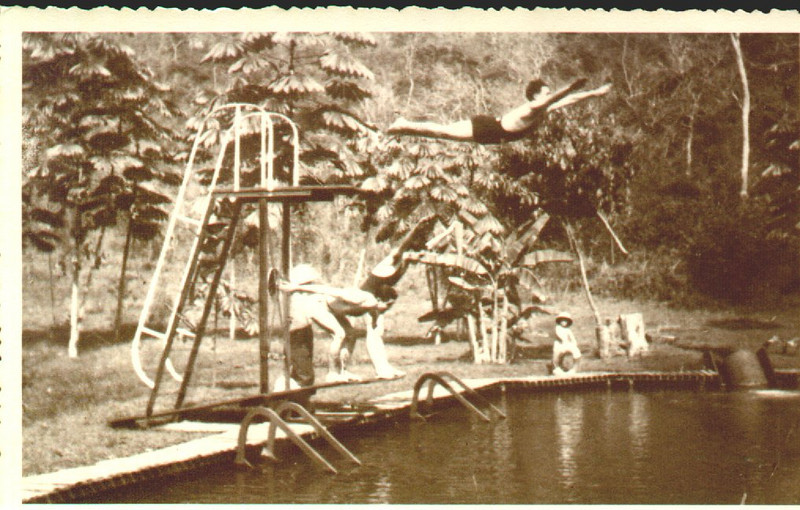 Piscina do Dundo - anos 40  Salto do muata Jõao Silva, (pai da Maria dos Anjos)