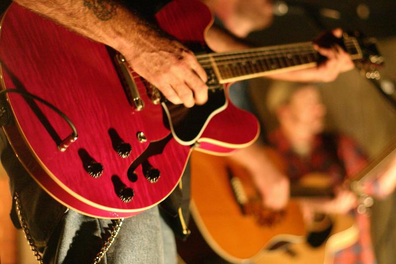 dakota-guitar_2247785346_o.jpg