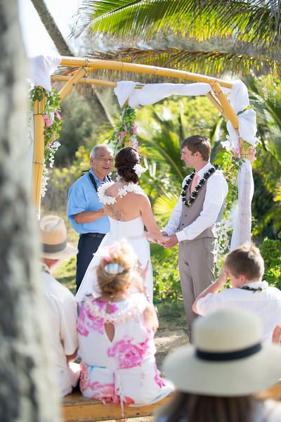 gillin beach kauai wedding-84.jpg