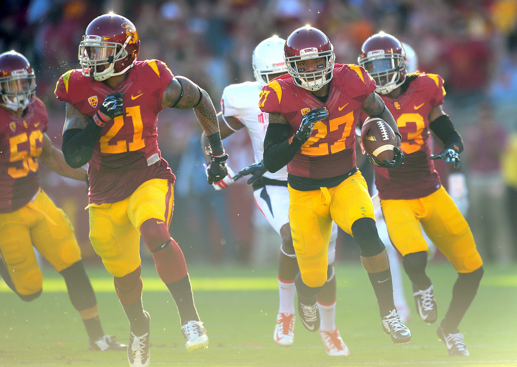 . USC DB Gerald Bowman returns an interception against Fresno State in the second quarter, Saturday, August 30, 2014, at the L.A. Memorial Coliseum. (Photo by Michael Owen Baker/Los Angeles Daily News)