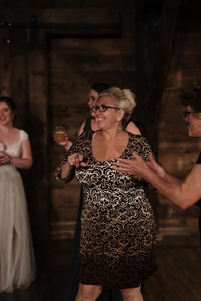 rustic_ohio__fall_barn_wedding-451.jpg