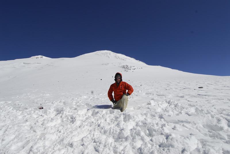 080502 2050 Russia - Mount Elbruce - Day 2 Trip to 15000 feet _E _I ~E ~L.JPG