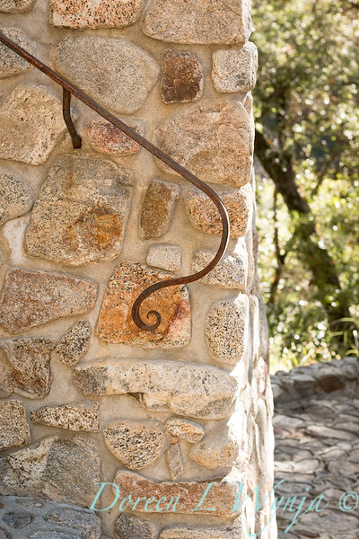 Stonework wall - forged iron railing_4562.jpg