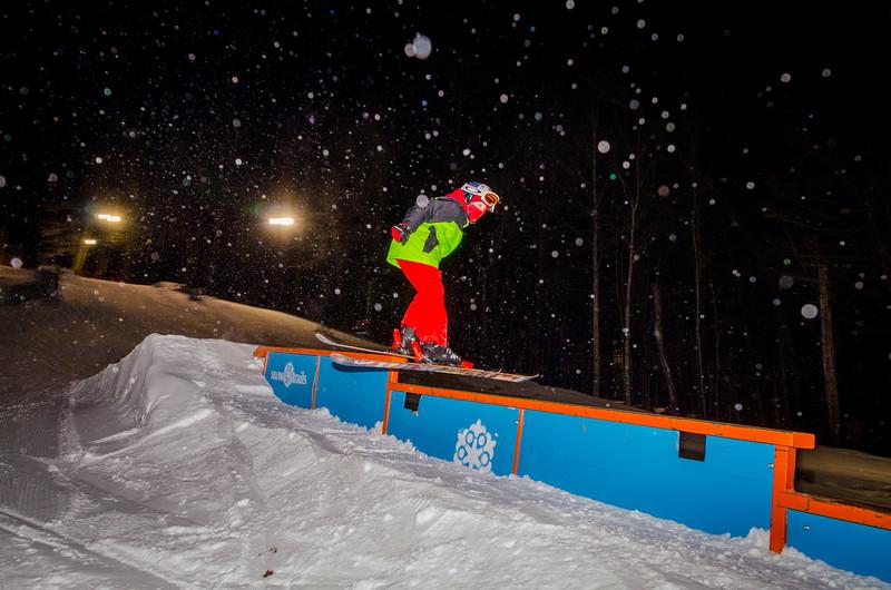 Nighttime-Rail-Jam_Snow-Trails-104.jpg