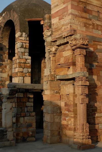 qutob minar Dec 2010.jpg