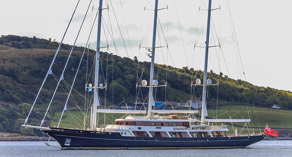 EOS Larsson Super Yacht