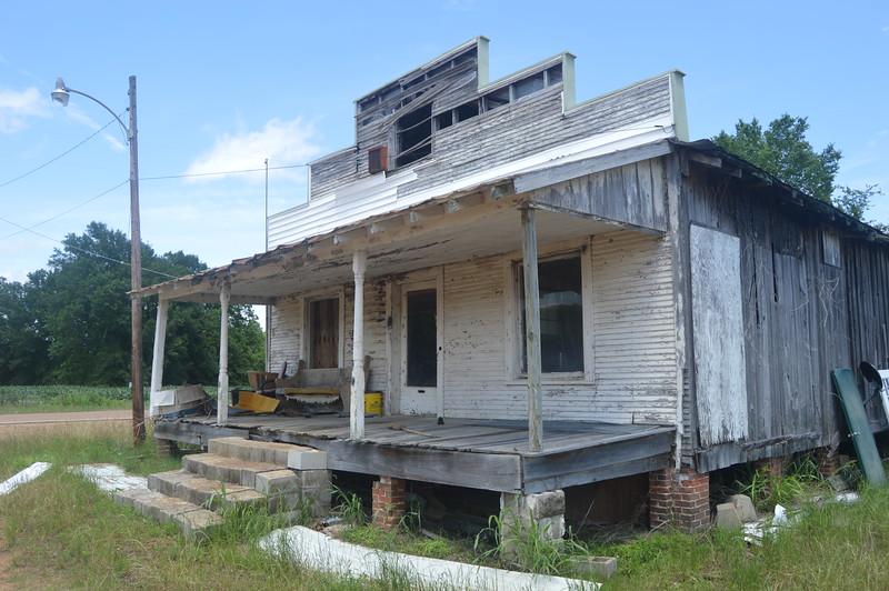 045 Abandoned store, Savage.JPG