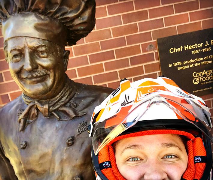 chef boyardee statue in milton pennsylvania
