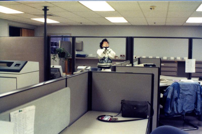 1987 12 15 - Seaman's Furniture 006.jpg