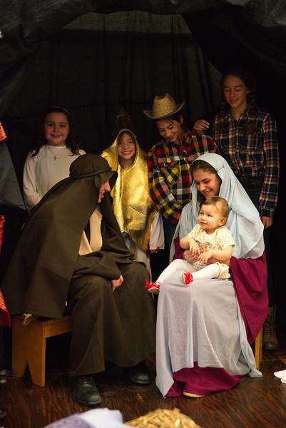 2014-12-21-Christmas-Pageant_220.jpg