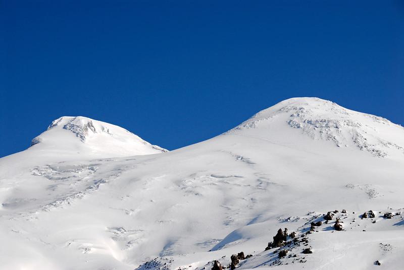 080502 1722 Russia - Mount Elbruce - Day 2 Trip to 15000 feet _E _I ~E ~L.JPG