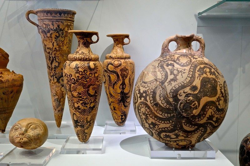 Minoan pottery, Archeological Museum, Heraklion