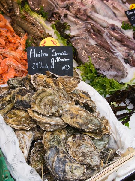 aix en provence market oysters 3.jpg