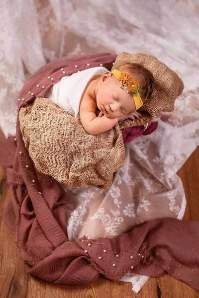 Carlon Newborn