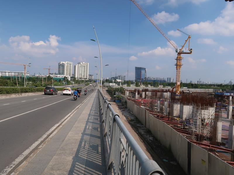 IMG_2785-the-river-at-thu-thiem-bridge.JPG