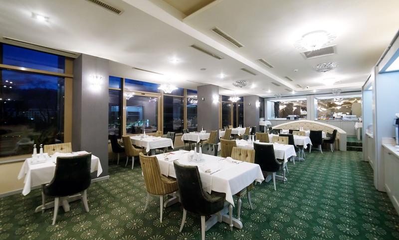 Restaurant_Maya-0003.jpg