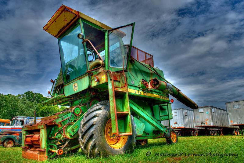 Antique John Deere Combine (model 6600)   #723