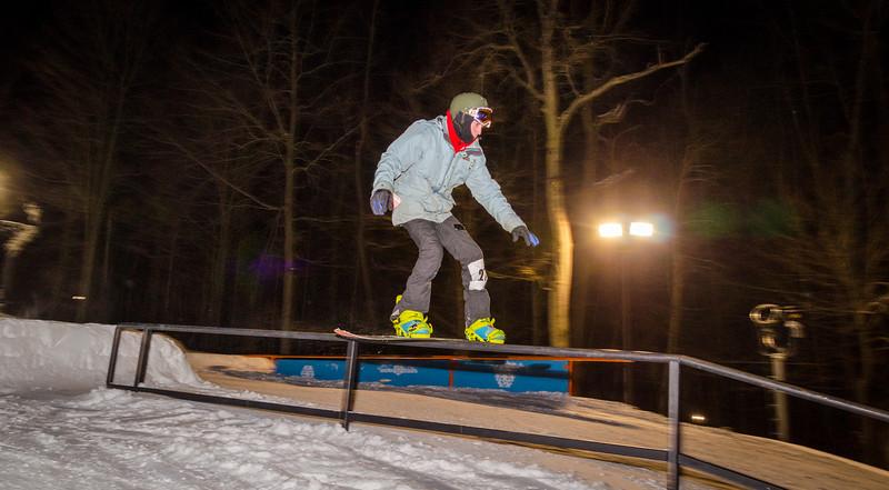 Nighttime-Rail-Jam_Snow-Trails-148.jpg
