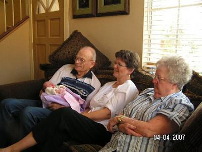 April 4_ 2007 Great grandparents and Auntie Linda visit Gracie 032.jpg