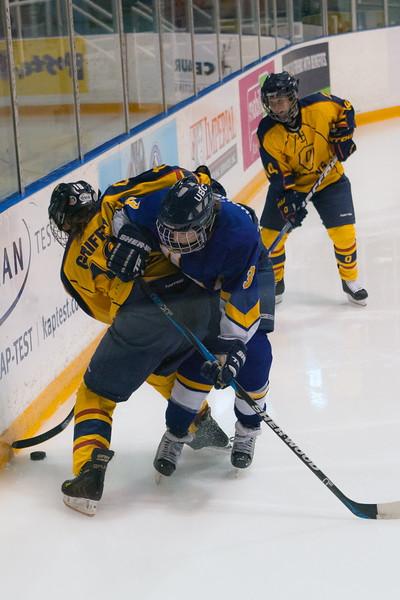 20130310 QWHockeyvsUBC 337.jpg