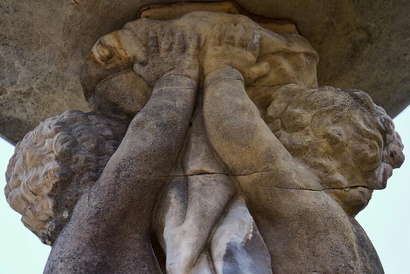 Lux Garden statue close 01024.jpg