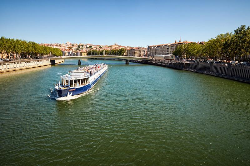 Bateau Mouche sur le Rhône