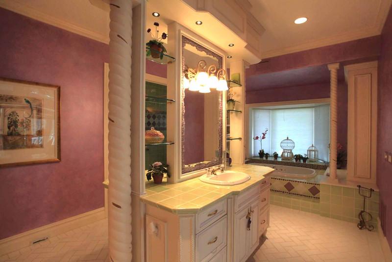 Masterr Bathroom.jpg