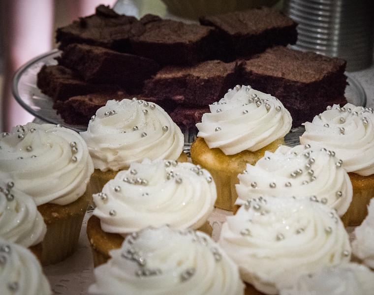 cupcakesbrownies.jpg
