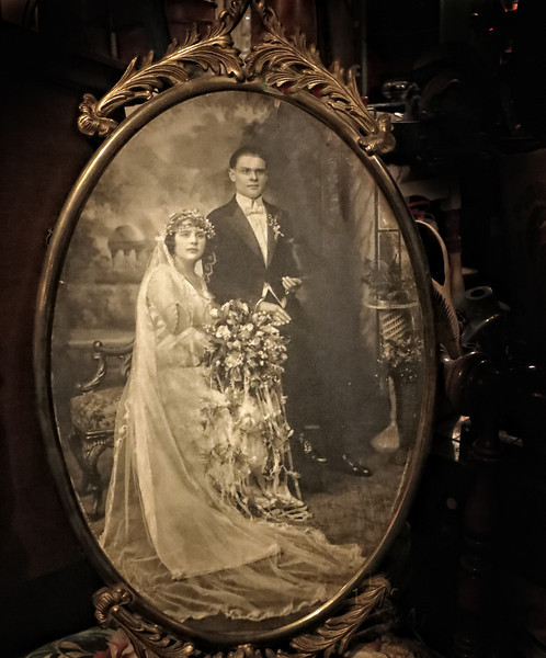 History   The Wedding Dress..jpg