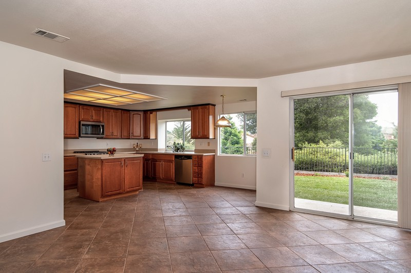 008_FAMILY ROOM and KITCHEN.jpg