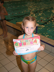 2001-09 Diploma zwemmen Isabelle