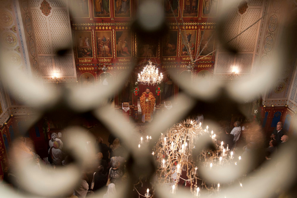 . Orthodox priest Milan Trisic leads the Easter liturgy on Orthodox Easter Sunday, May 5, 2013, in the Orthodox Church in Tuzla,120 kms north of Sarajevo. Bosnian Serbs celebrate Orthodox Easter according to the Julian calendar. (AP Photo/Amel Emric)