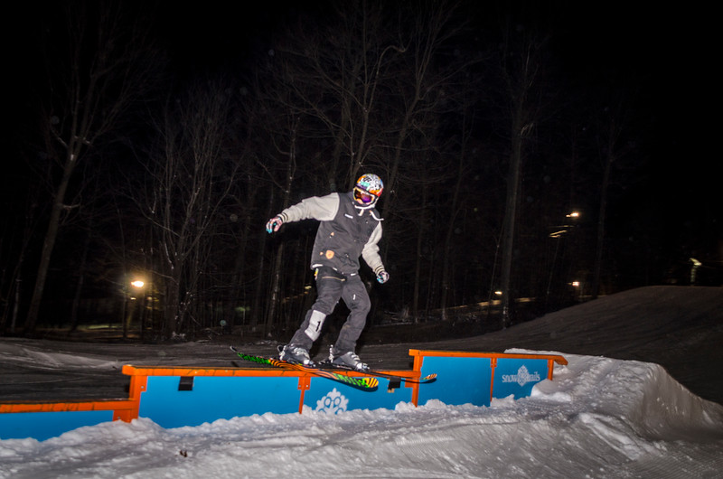 Nighttime-Rail-Jam_Snow-Trails-25.jpg